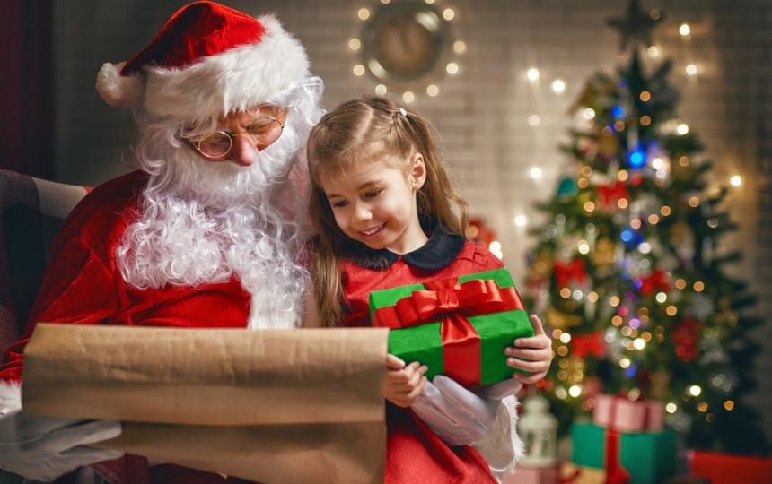 Ką vaikai ras po eglute per šias Kalėdas: įvardijo ...